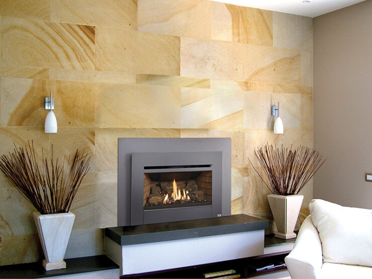 The Radiant Plus™ Medium is great for heating mid-sized homes. This insert is the perfect medium size to install in most metal (zero clearance) and masonry fireplaces. It features a large, beautiful fire viewing area and provides excellent radiant and natural convection heat.